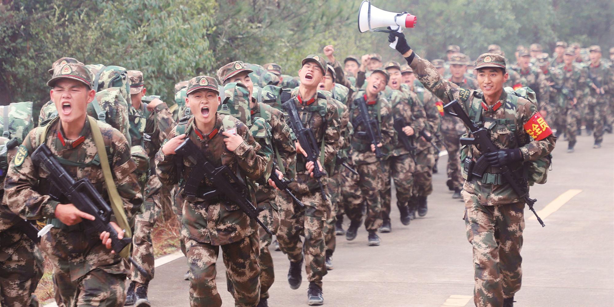野营拉练砺新兵