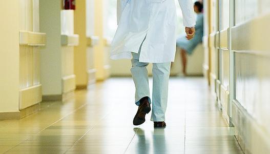 为准备期末考试 11岁学生患上颈椎病