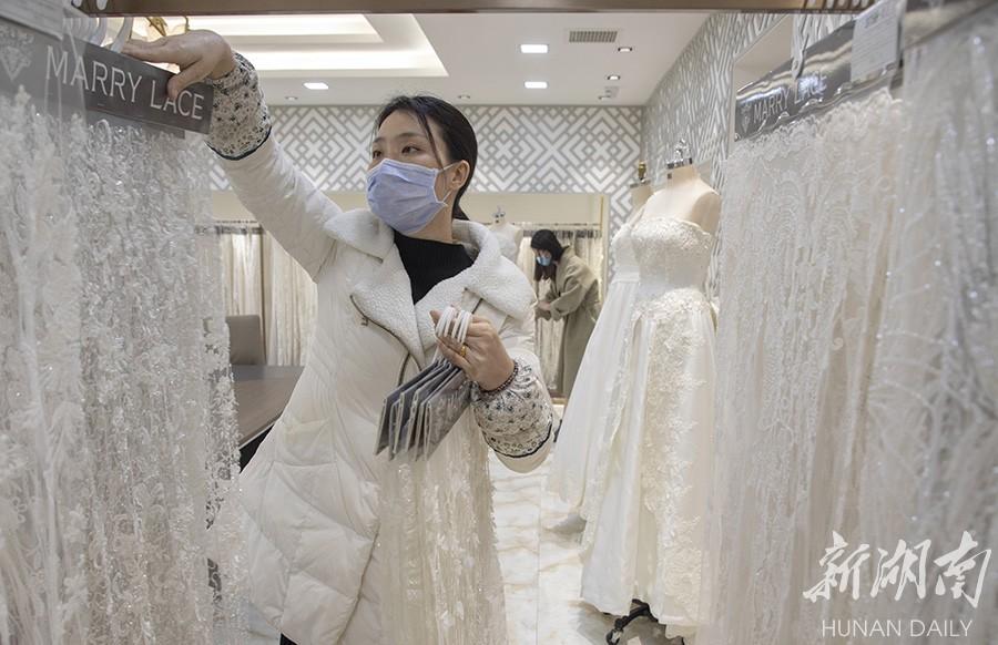 赶制外贸产品 新湖南www.hunanabc.com